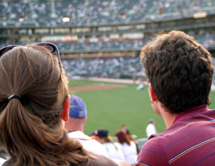 baseball-game-couple